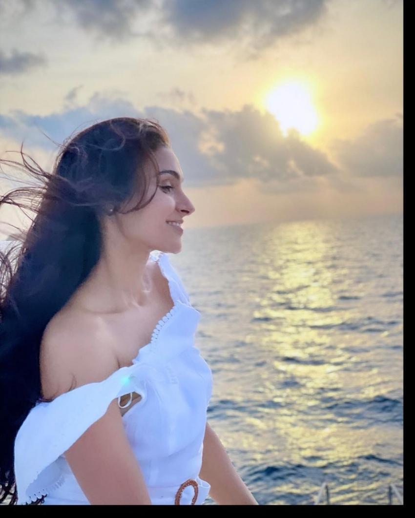 ப்பா.. என்னா லுக்கு.. நடிகை ஆண்ட்ரியாவின் கிறங்க வைக்கும் லேட்டஸ்ட் போட்டோ ஷூட்!