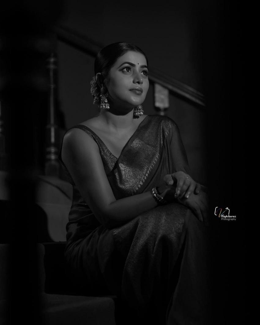 സാരിയിൽ സ്റ്റൈലൻ ലുക്കിൽ ഷംന കാസിം, ചിത്രം കാണൂ