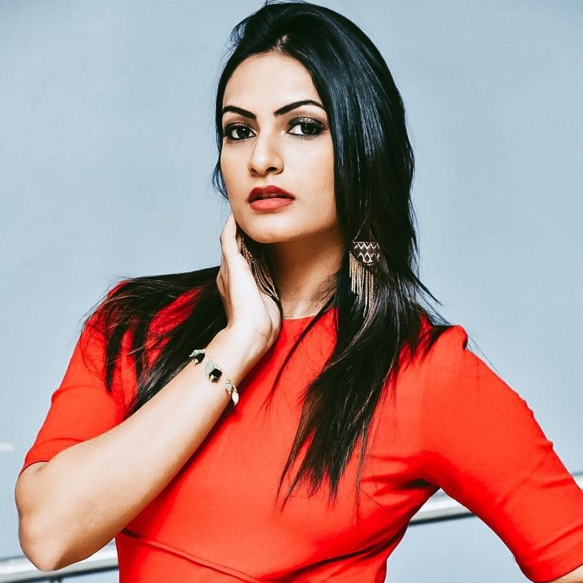 Bigg Boss Telugu 5 Contestant Sweta Varma ఎవరో తెలుసా? ఘాటు ఘాటు అందాలతో...