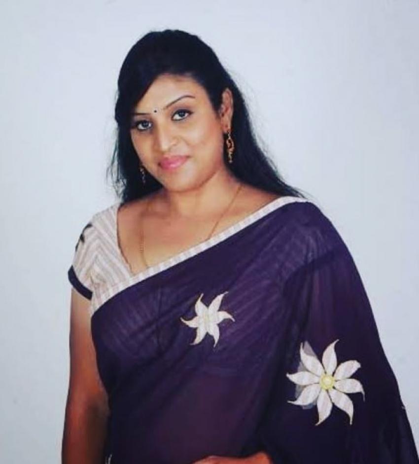 Bigg Boss Telugu 5: బిగ్ బాస్ కంటెస్టెంట్ ఉమాదేవి హాట్ ఫొటోలు.. 'కార్తీక దీపం'లో అలా.. పర్సనల్ లైఫ్లో ఇలా!