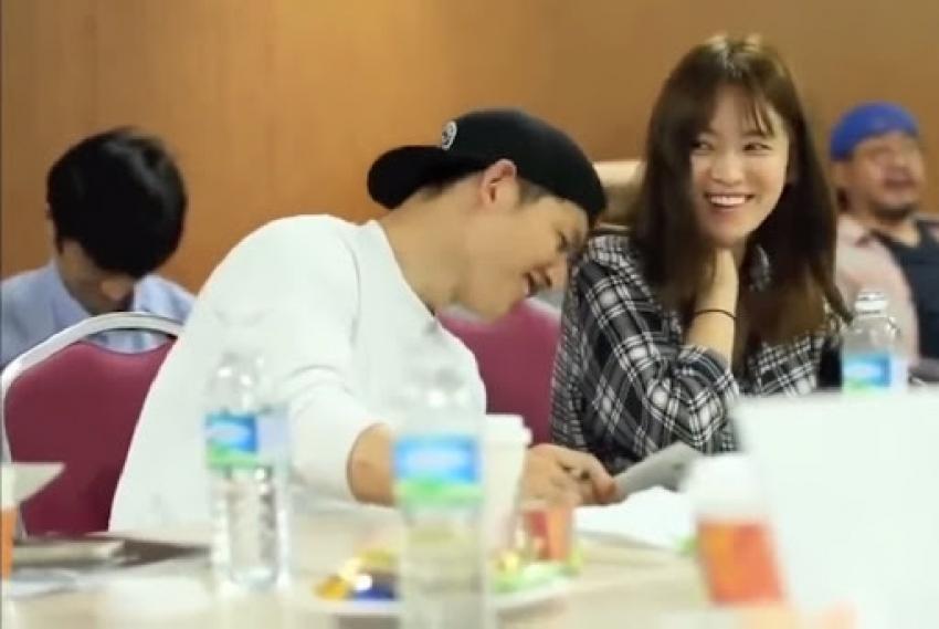 Descendants Of The Sun Stars Soong Joong-Ki & Song Hye-Kyo's Romantic Off-Screen Pictures Photos