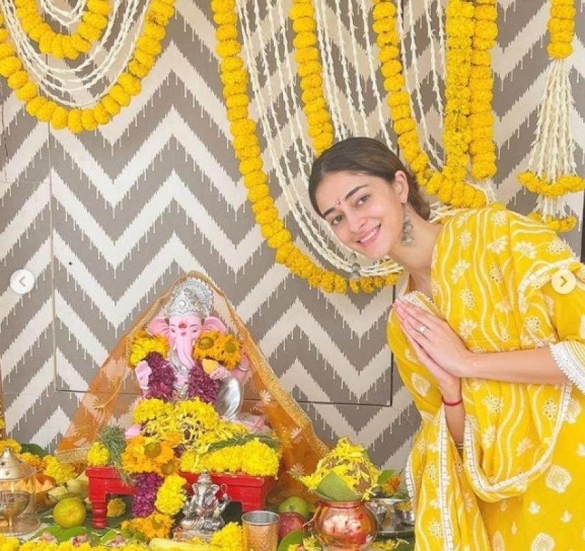 Ganesh Chaturthi 2021: Ananya Panday, Kareena Kapoor Khan & Others Welcome Bappa With Gusto Photos
