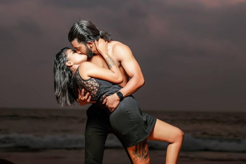 Indian Couples Viral Photoshoot Photos