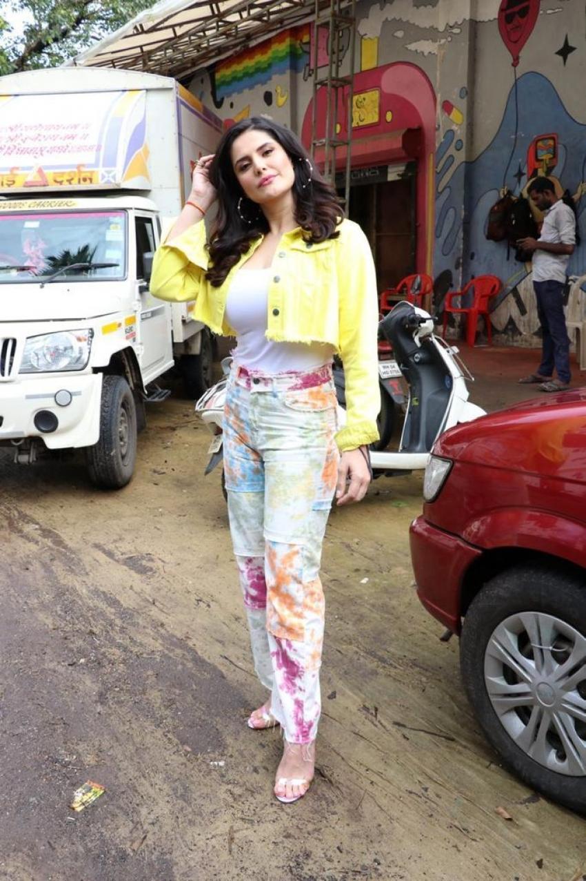 Karan Kundra Zareen Khan spotted at Goregoan Photos