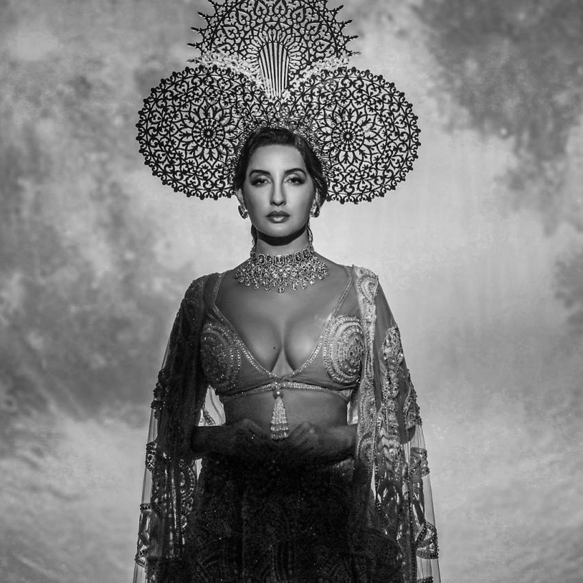 Nora Fatehi హాట్ హాట్గా క్లీవేజ్ షో.. ఎప్పుడూ చూడని అందాల ప్రదర్శన