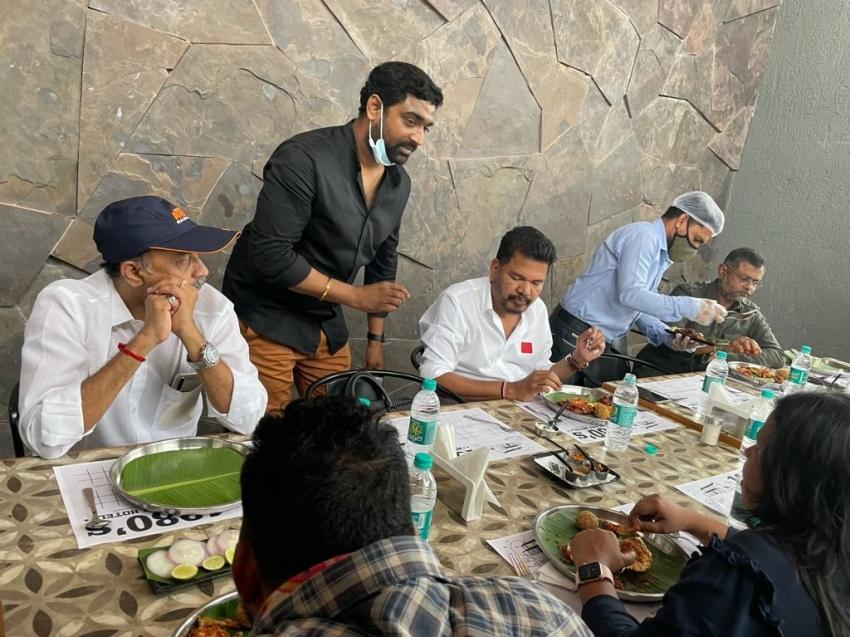 #RC15 మూవీ  అట్టహాసంగా ఓపెనింగ్.. కియారా, రణ్వీర్ సింగ్, శంకర్తో చిరంజీవి... ఫోటోలు వైరల్!