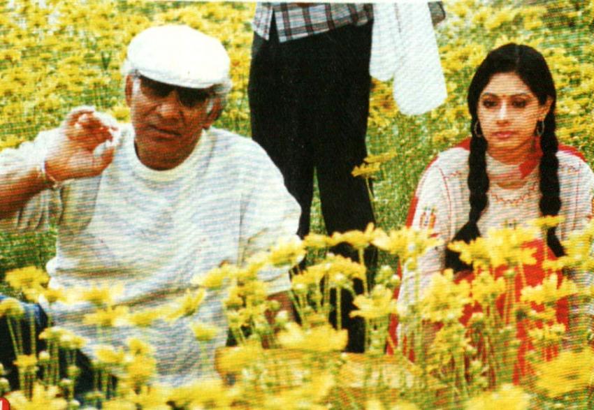 Sridevi, Rishi Kapoor & Vinod Khanna's Unseen Photos From Chandni Days Photos