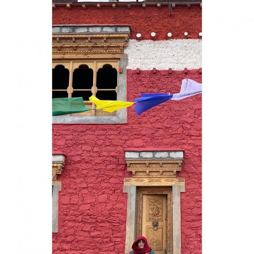 പ്രണവിനും കൂട്ടുകാർക്കുമൊപ്പം മലകൾ കയറി വിസ്മയ മോഹന്ലാല്, ചിത്രങ്ങള് വൈറല്
