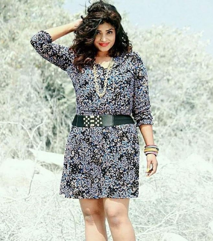 Bigg Boss Telugu 5 Sarayu: బిగ్ బాస్ కంటెస్టెంట్ సరయు హాట్ ఫొటోలు.. బూతులే కాదు ఘాటుగానూ!