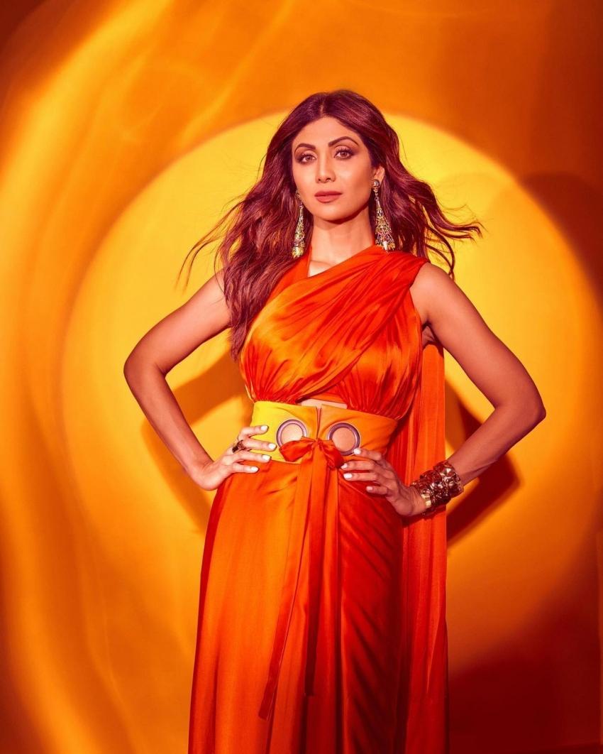 सुपर डांसर 4 के स्टेज से शिल्पा शेट्टी की शानदार तस्वीरें आईं सामनें।
