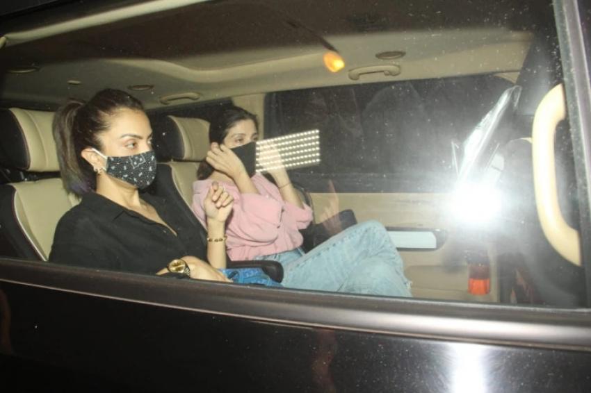 आर्यन खान ड्रग मामला: सलमान खान की बहन अलवीरा समेत महीप कपूर, नीलम, सीमा खान भी पहुंचे शाहरुख खान के 'मन्नत'