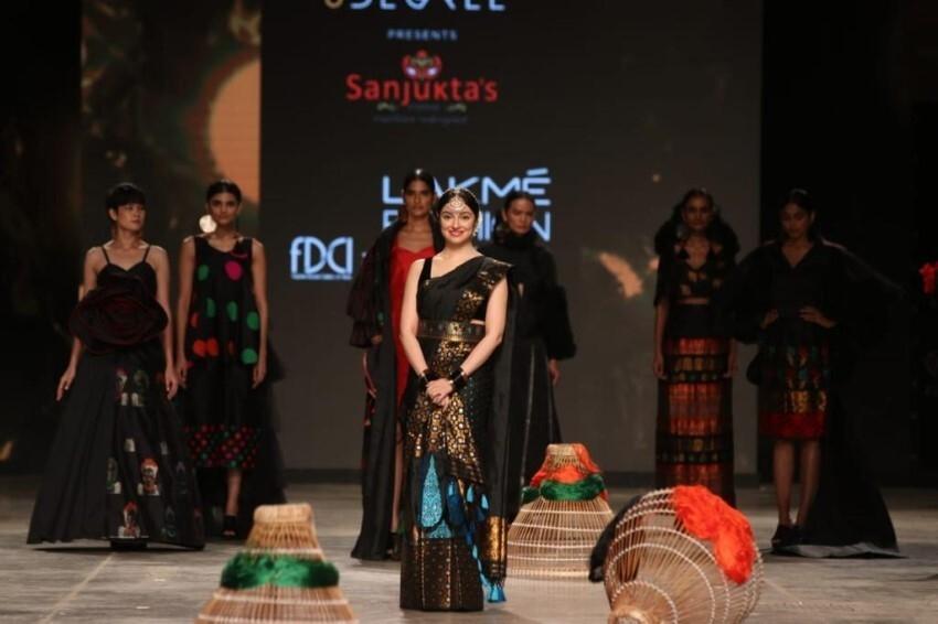 Divya Khosla Kumar walk the ramp at Lakme Fashion Week 2021 Photos