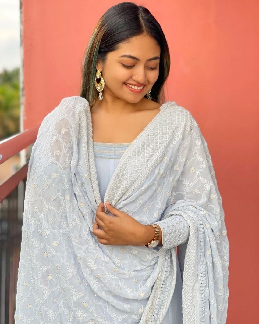 വരുംകാല നായിക റെഡിയാണ്;  ശാലിന് സോയയുടെ പുത്തന് ചിത്രങ്ങള്