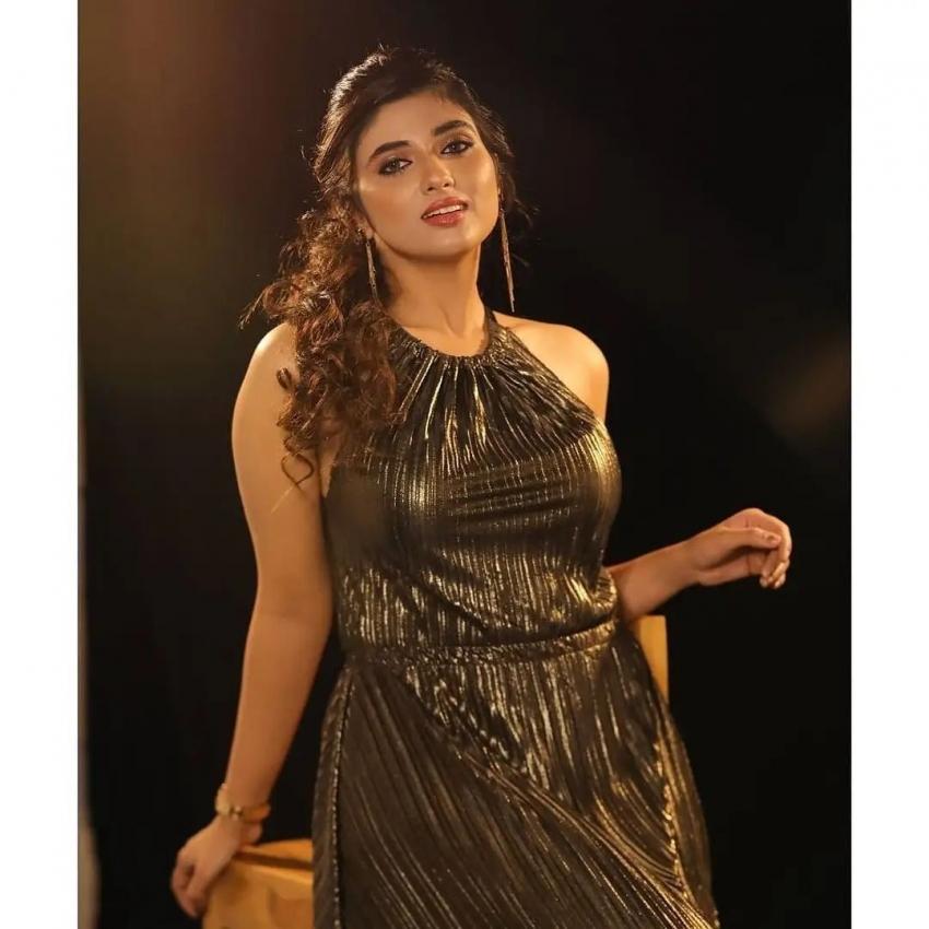 Pragya Nagra Photos