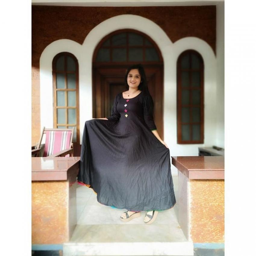 ഏത് ഗെറ്റപ്പിലും ശിവേട്ടന്റെ  അഞ്ജലി സുന്ദരിയാണ്,   നടി  ഗോപിക അനിലിന്റെ പുതിയ ചിത്രം വൈറലാവുന്നു