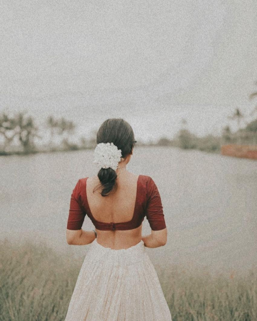 സ്റ്റൈലൻ ലുക്കിൽ എസ്തർ അനിൽ, ചിത്രം നോക്കൂ