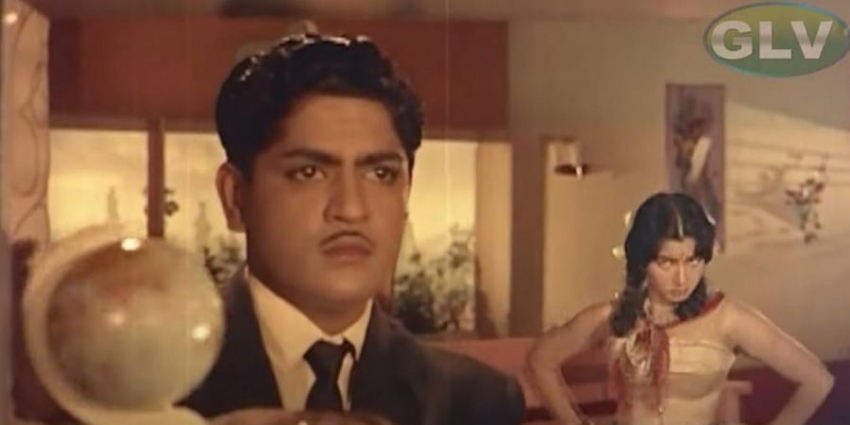 அடுத்தாத்து அம்புஜத்த பார்த்தேலா பாடலை மறக்க முடியுமா?  நடிகர் ஸ்ரீகாந்தின் அரிய புகைப்படங்கள்!