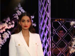 "Sonam Kapoor at launch of novel ""The Diary On The Fifth Floor"