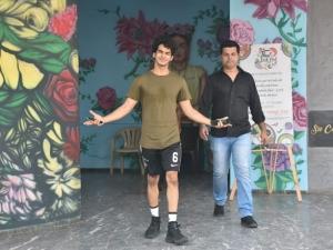 Ishaan Khattar and Jhanvi Kapoor Spotted at Su Casa in Bandra