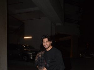 Celebs At Sidharth Malhotra Birthday Bash