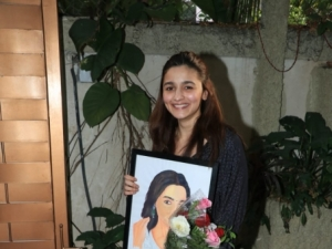 Alia Bhatt Celebrates Her Birthday With Media