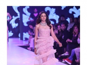 Celebs Showstopper At Bombay Times Fashion Week 2019