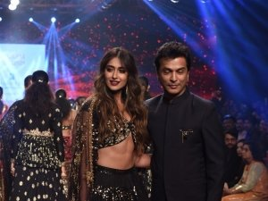 Ileana D'Cruz Walks The Ramp For Bombay Times Fashion Week 2019