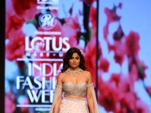 Shamita Shetty Walks The Ramp At Lotus Fashion Week 2019