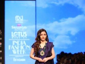 Soha Ali Khan Walks The Ramp At Lotus Fashion Week 2019