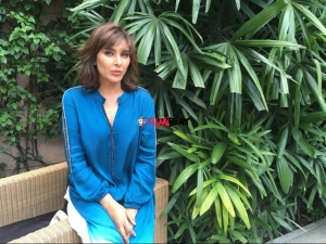 Exclusive: Lisa Ray Makes Stunning Appearance At Bangalore Literature Festival 2019