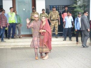 Ranveer Singh and Deepika Padukone Snapped At Mumbai Airport