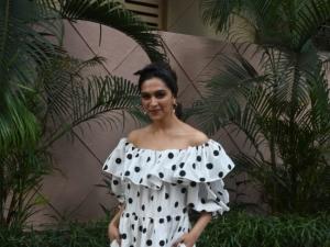 Deepika Padukone and Meghna Gulzar snapped at Cinepolis in Mumbai