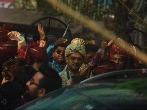 Aditya Narayan and Shweta Agarwal Wedding Photos