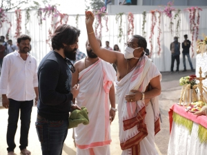 Salaar Movie Pooja and Launch