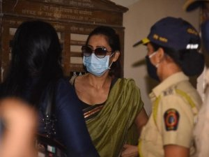 Arjun Rampal's sister Komal snapped at NCB Office