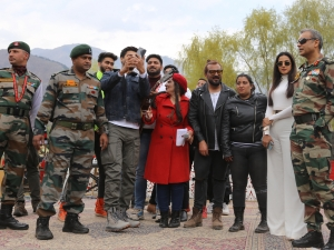 Vicky Kaushal and Sonal Chauhan at Umeed ka Seher a Cultural Event