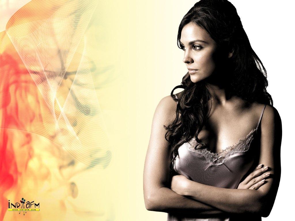 Lara Dutta HD Wallpapers | Latest Lara Dutta Wallpapers HD Free Download (1080p to 2K) - FilmiBeat