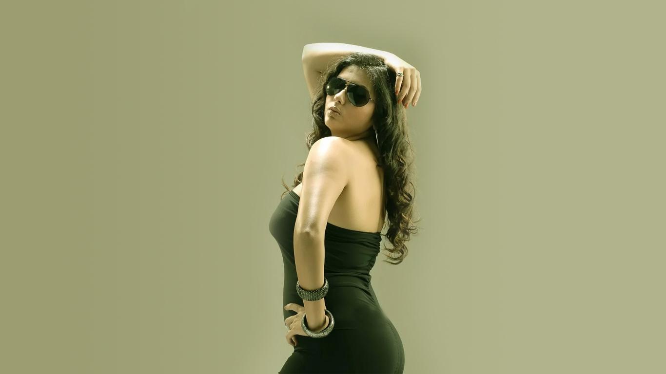 Hot namitha Biggboss contestent