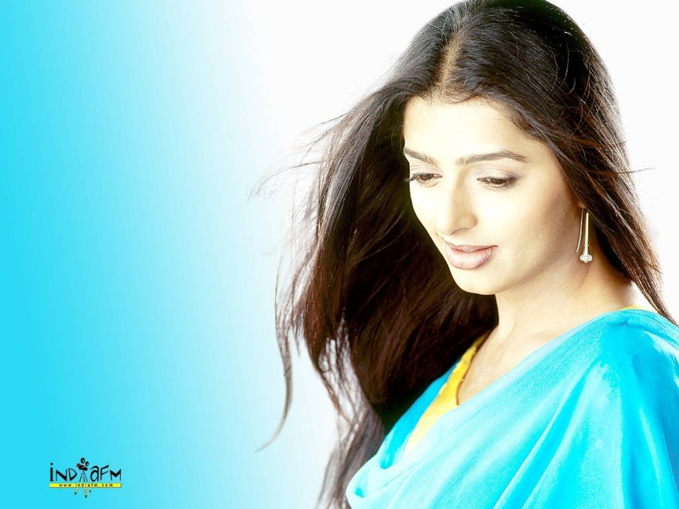 Bhumika Chawla Wallpapers