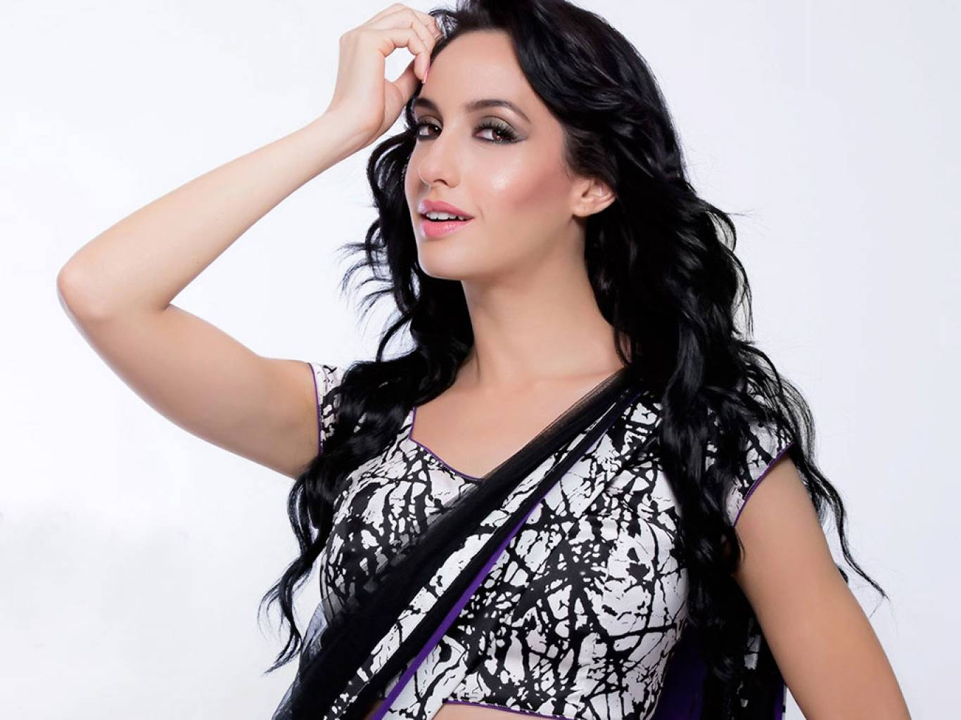 Nora Fatehi Wallpapers  IMAGES, GIF, ANIMATED GIF, WALLPAPER, STICKER FOR WHATSAPP & FACEBOOK