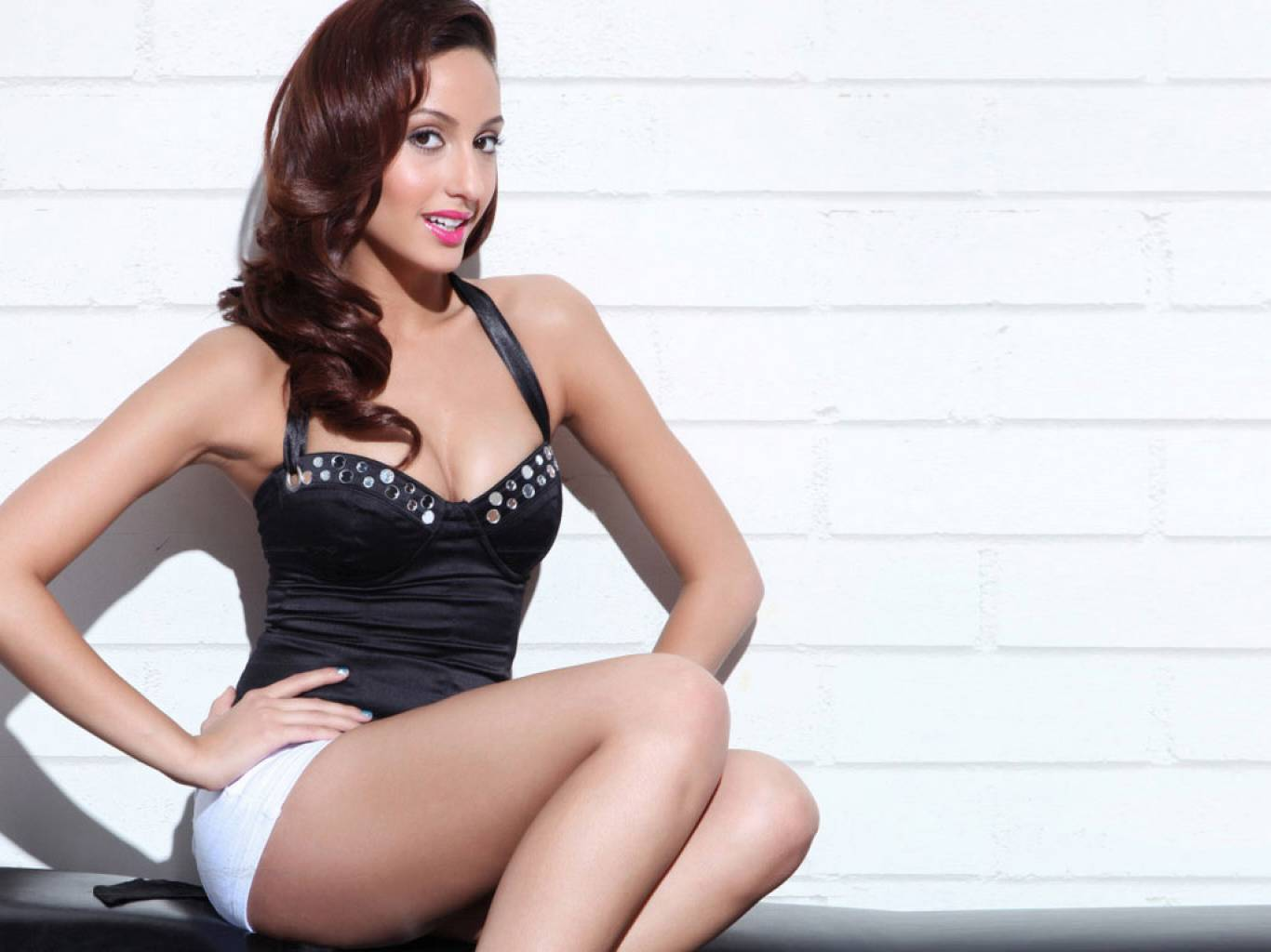 Nora Fatehi Wallpapers