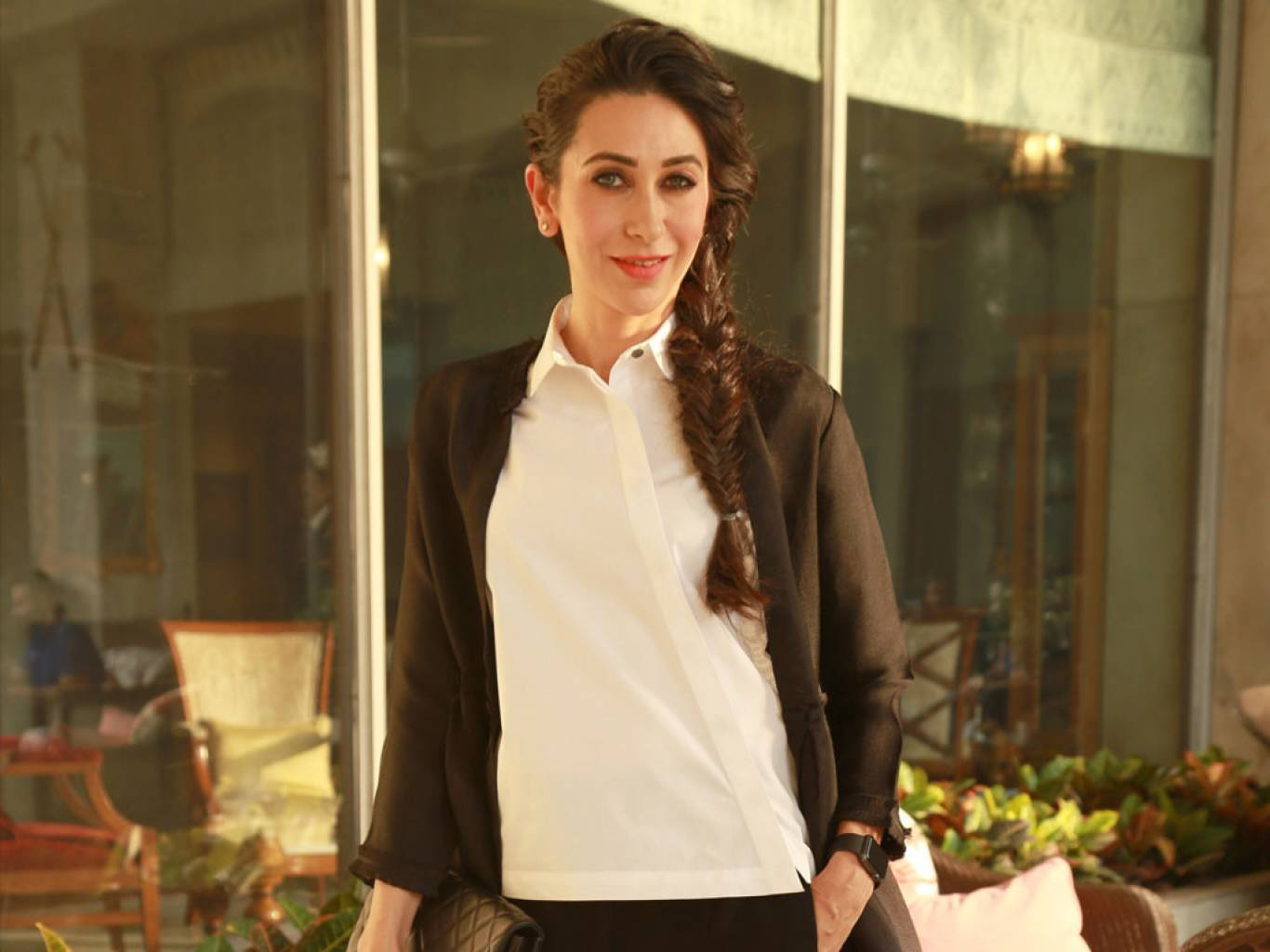Karishma Kapoor Wallpapers