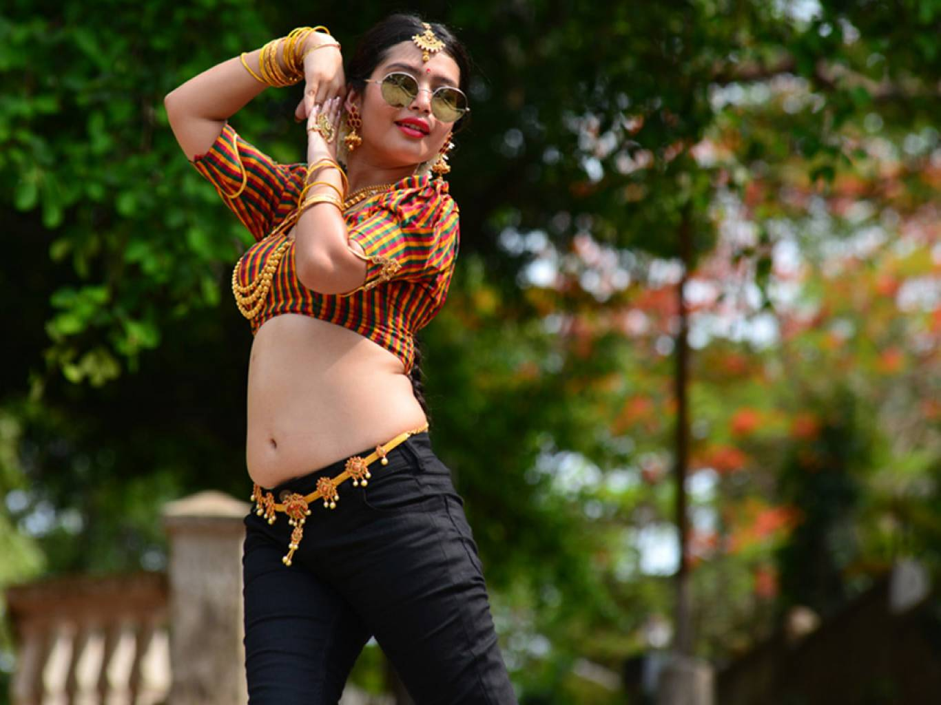 Raasi Wallpapers