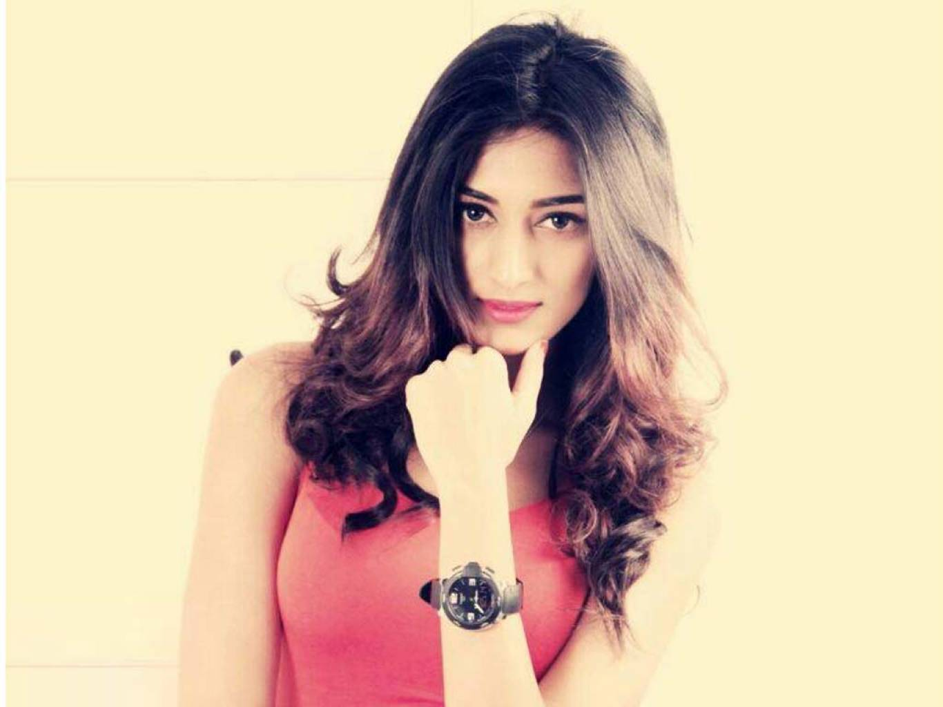 Erica Fernandes Wallpapers
