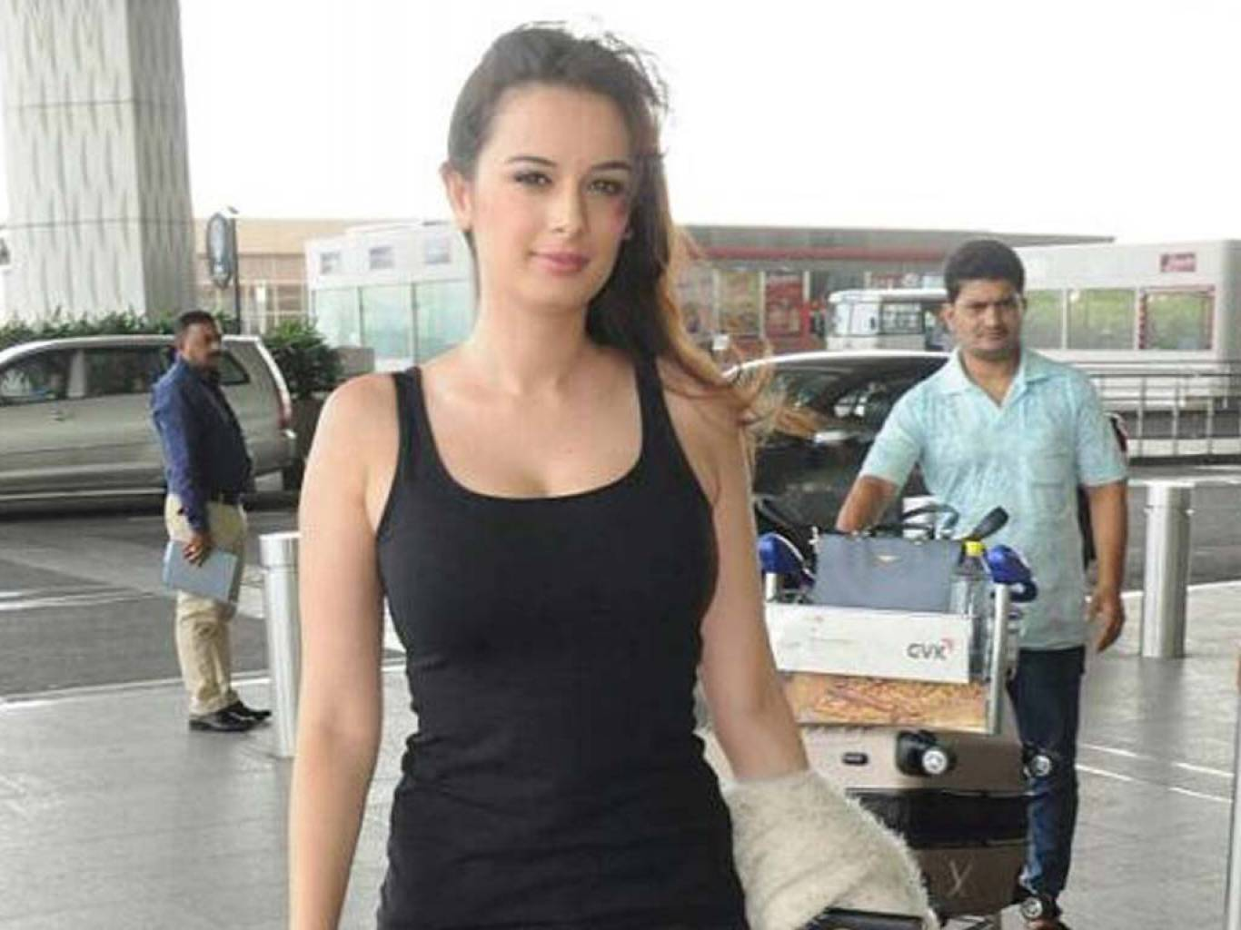 Evelyn Sharma Wallpapers