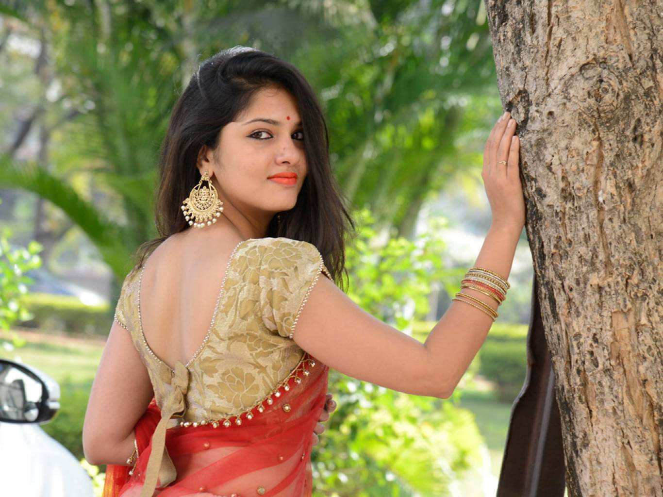 Gayathri Suresh Wallpapers