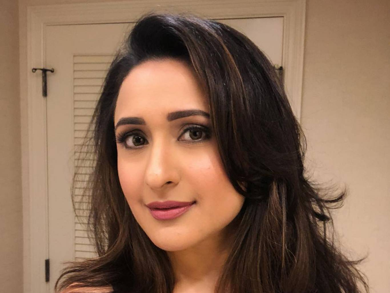 Pragya Jaiswal Wallpapers