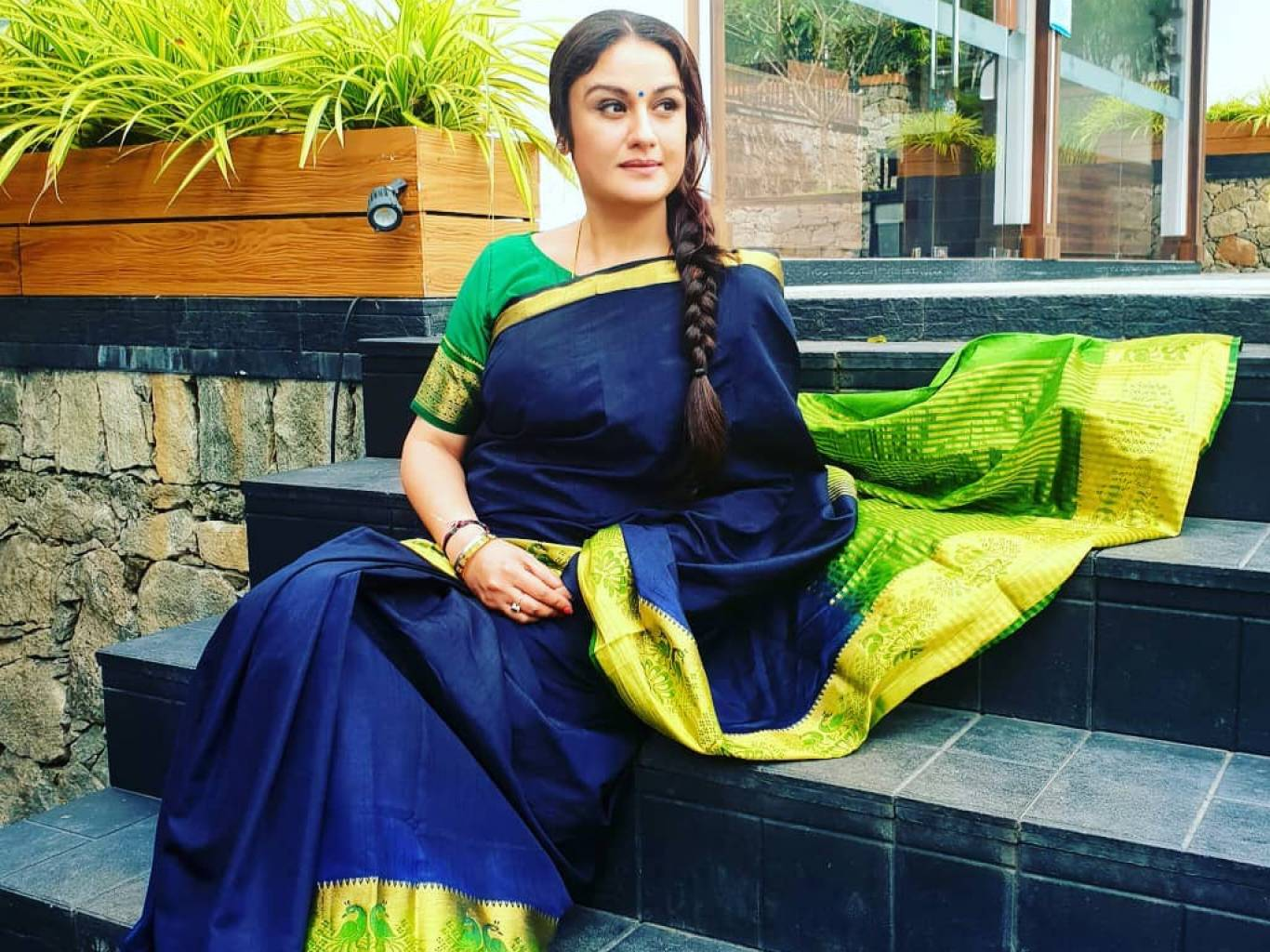 Sonia Agarwal Wallpapers