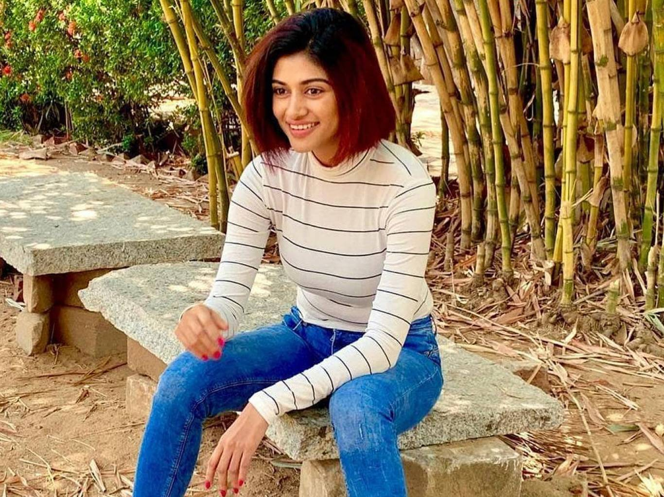 Oviya Helen Wallpapers