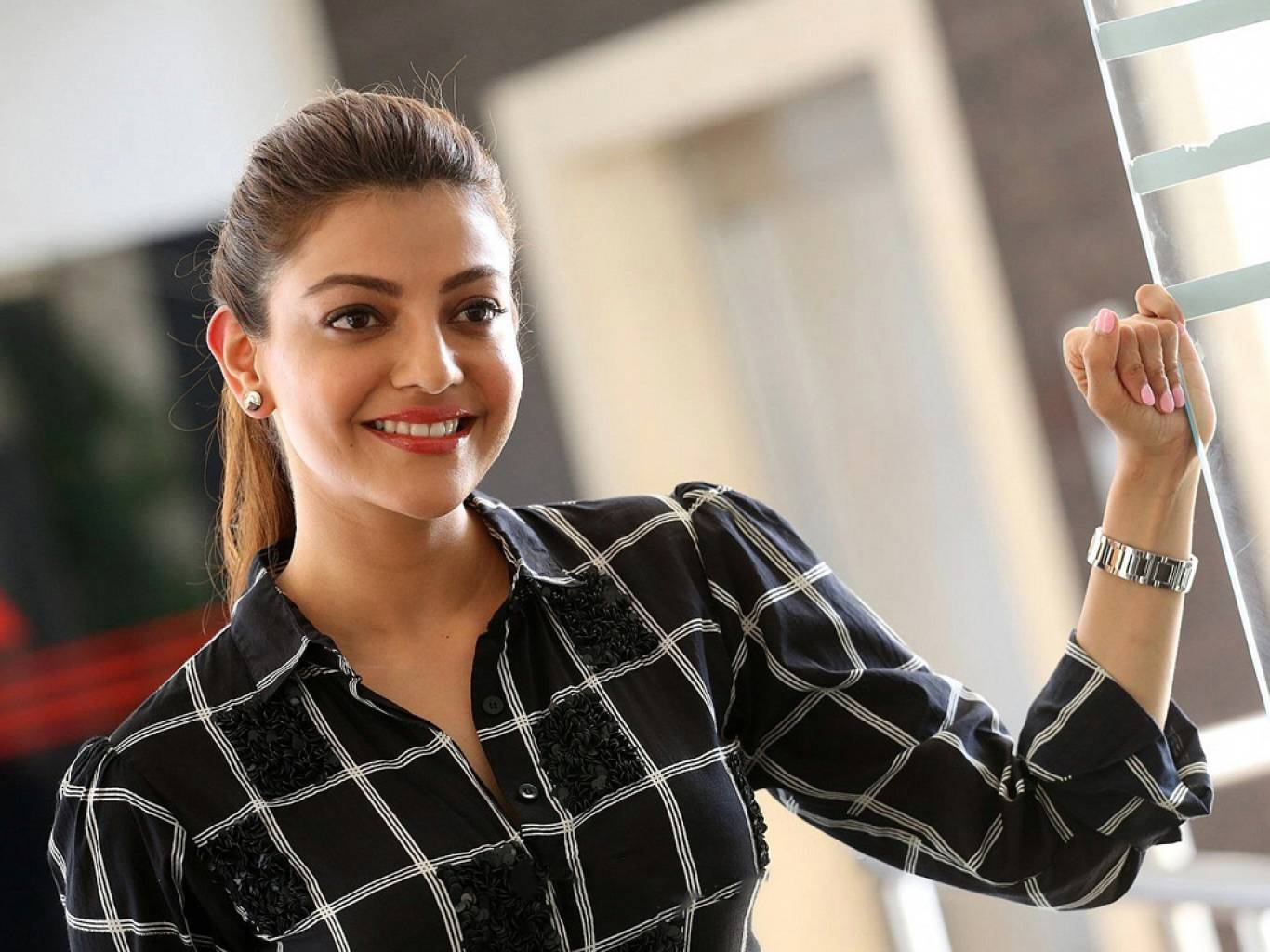Kajal Aggarwal Wallpapers  IMAGES, GIF, ANIMATED GIF, WALLPAPER, STICKER FOR WHATSAPP & FACEBOOK